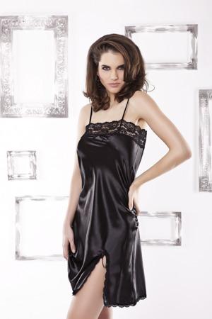 damska-kosilka-bella-black.jpg